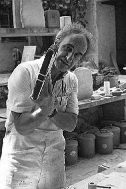 "Ernst Scheidegger, ""Eduardo Chillida in St. Paul de Vence im Atelierhaus der Fondation Maeght 1978"""